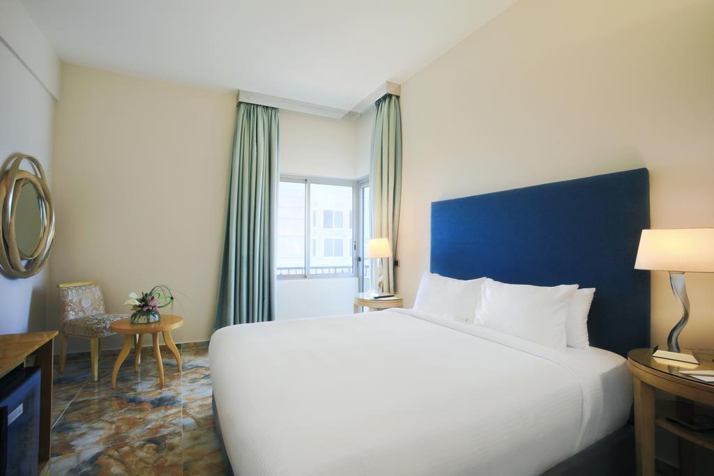 riviera-hotel-beirut (8).jpg