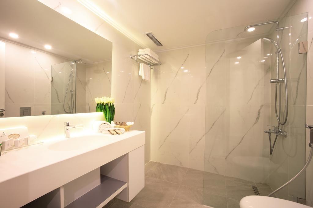 riviera-hotel-beirut (19).jpg