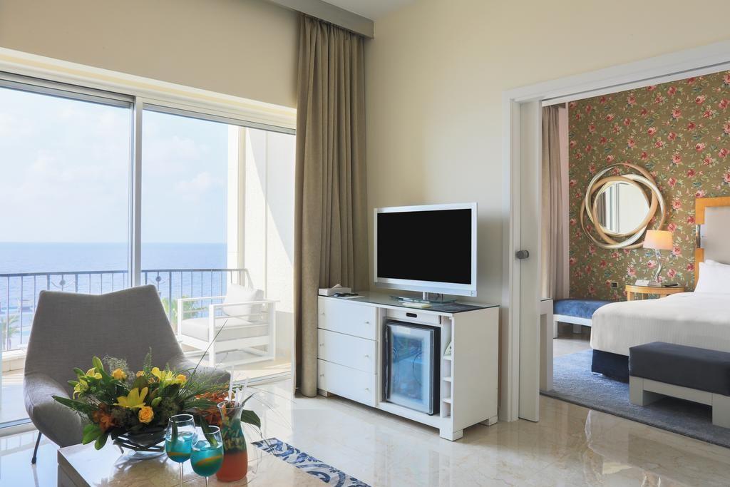 riviera-hotel-beirut (18).jpg