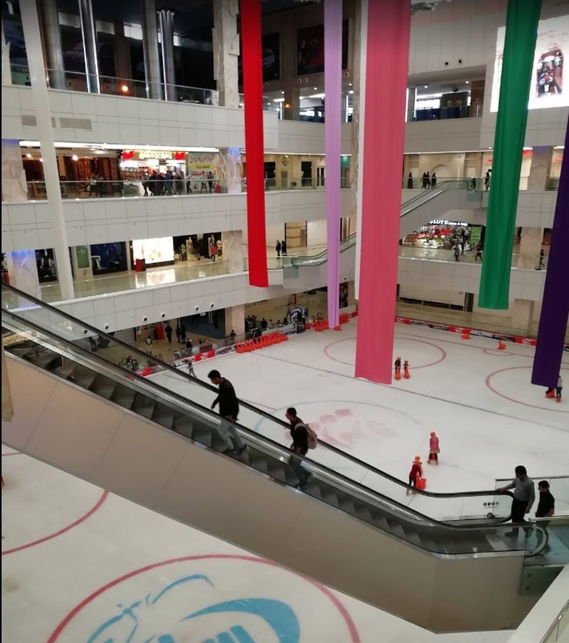 Padideh Shandiz Shopping Mall
