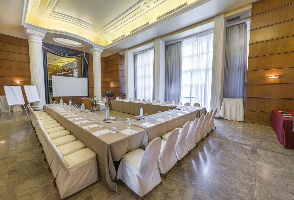 riviera-hotel-beirut (25).jpg
