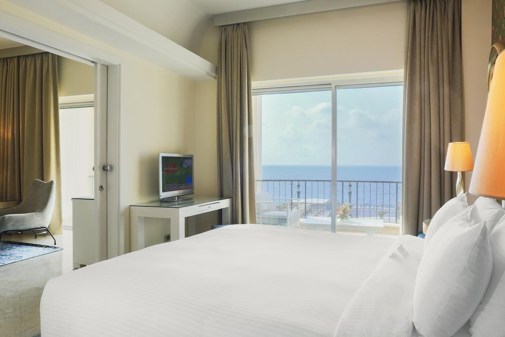 riviera-hotel-beirut (16).jpg