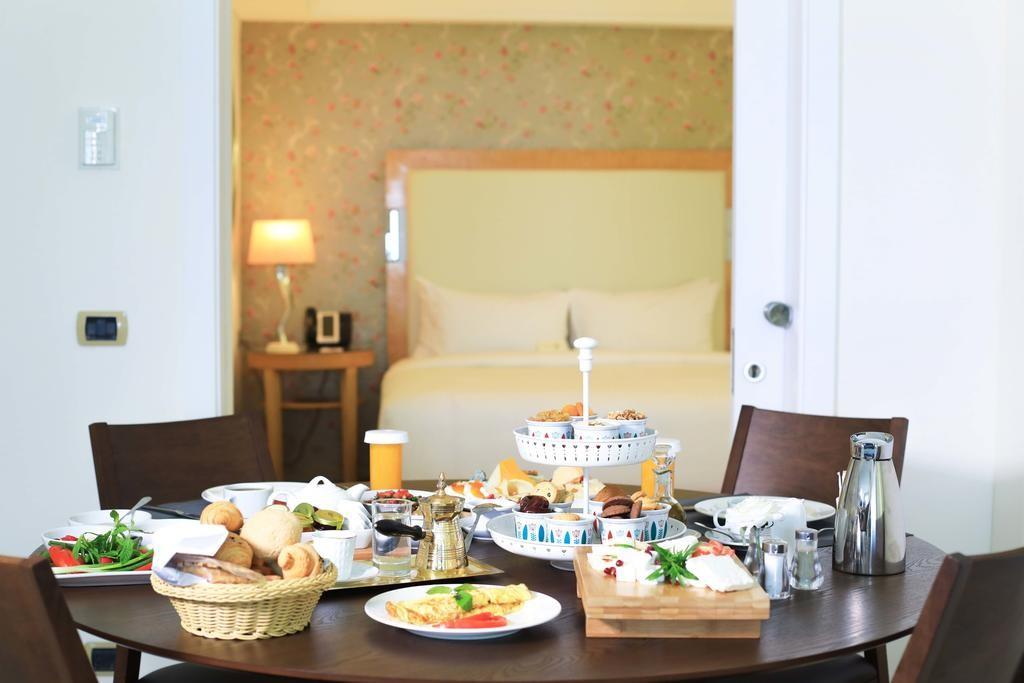 riviera-hotel-beirut (23).jpg