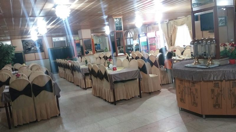 Laleh Hotel Abadeh - 07.jpg