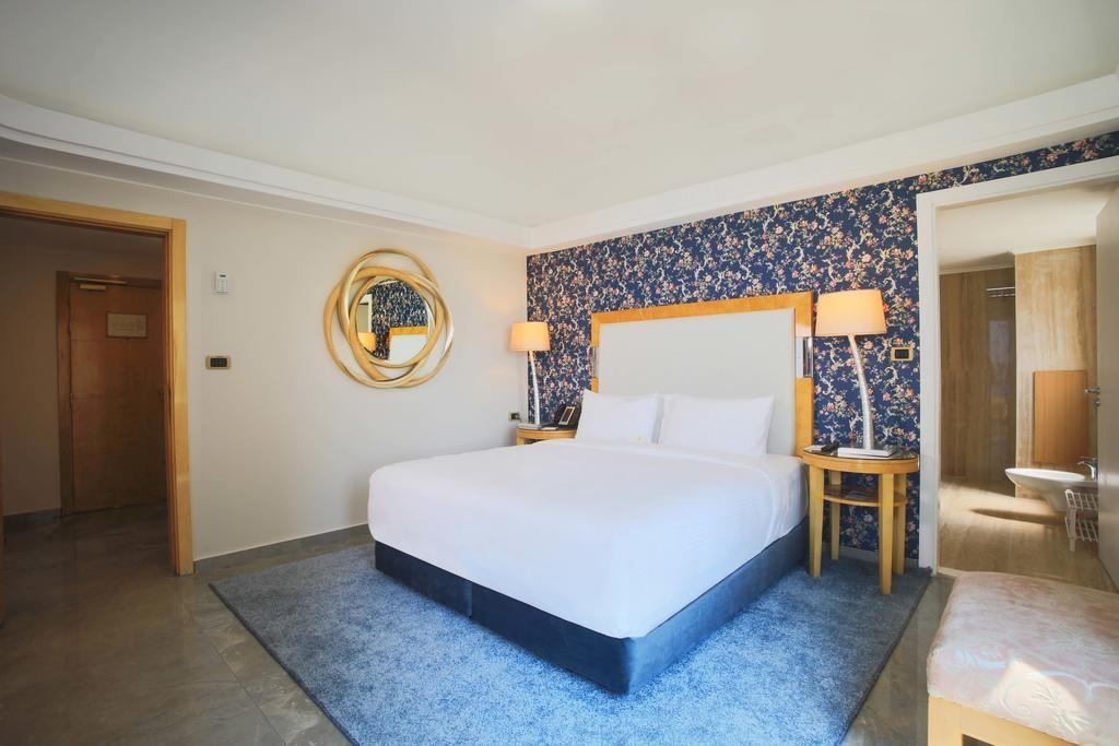 riviera-hotel-beirut (22).jpg