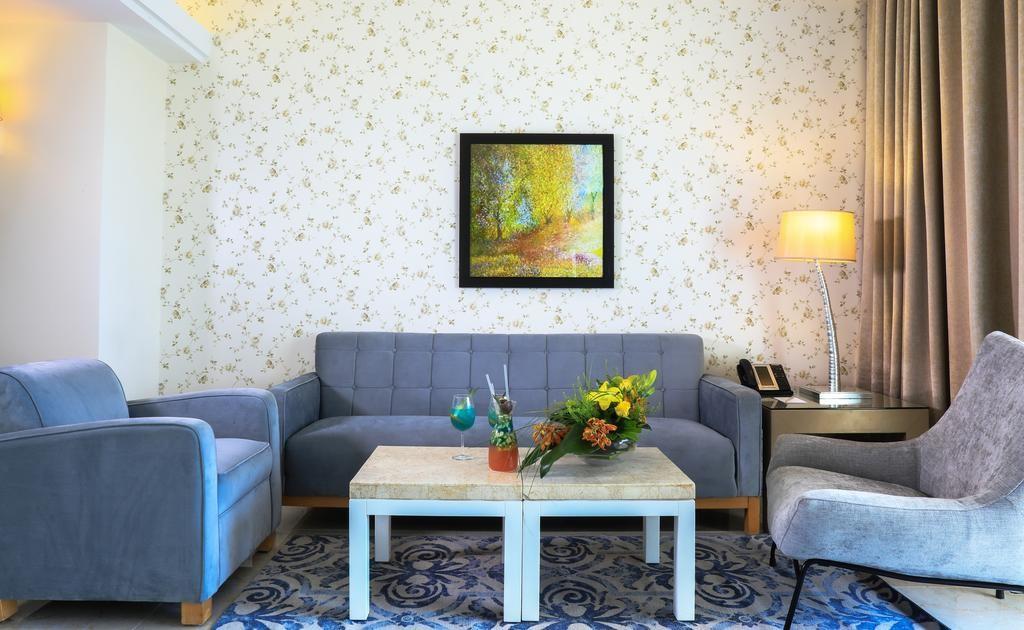 riviera-hotel-beirut (17).jpg