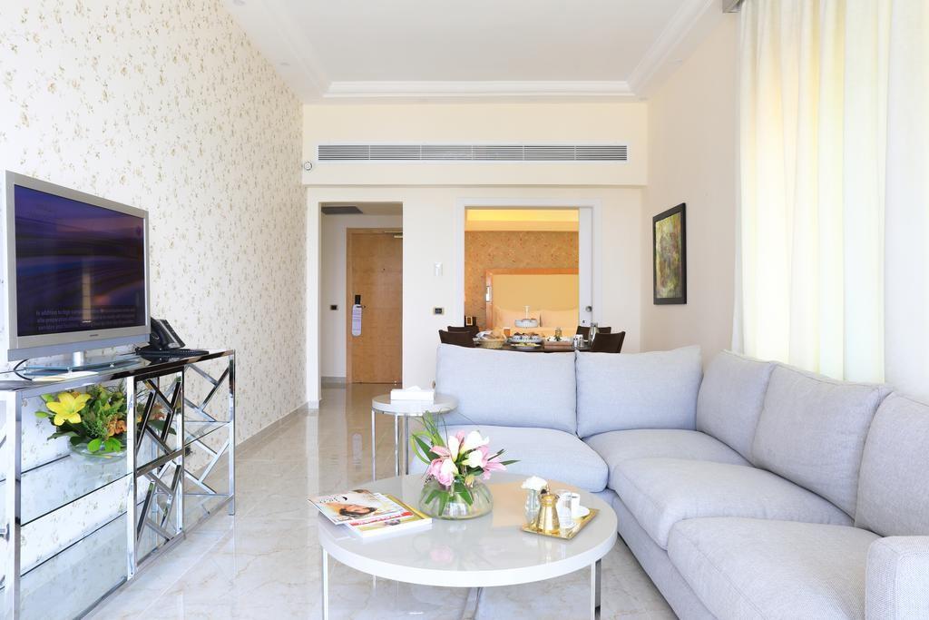 riviera-hotel-beirut (21).jpg