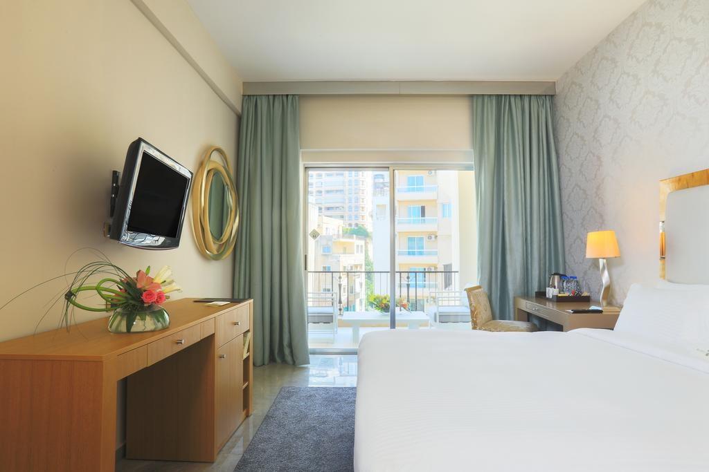 riviera-hotel-beirut (6).jpg