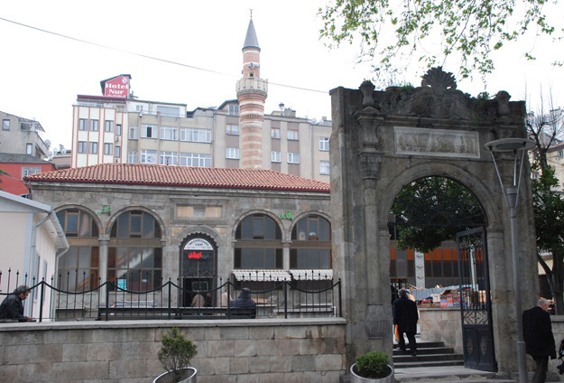 Iskenderpasa Mosque (1).jpg