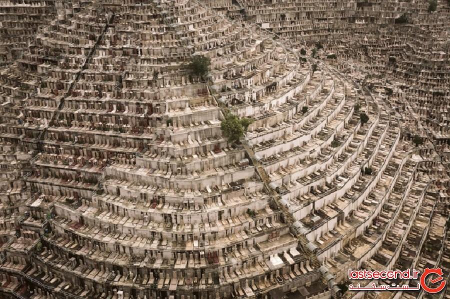 عکسهایی جذاب از قبرستان های عمودی روی تپههای هنگکنگ