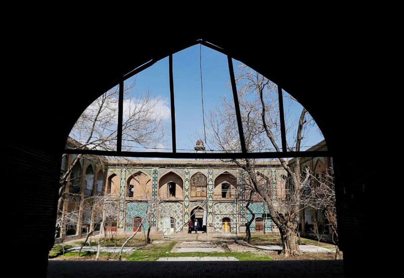 مسجد و مدرسه و سردار