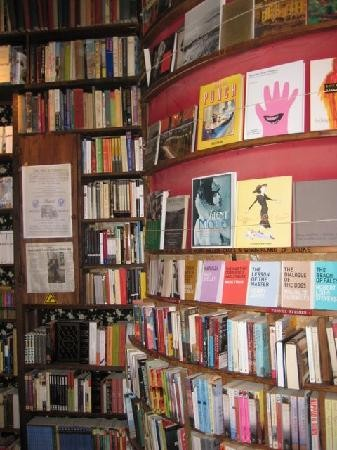Shakespeare-and-Company-Bookstore (7).jpg