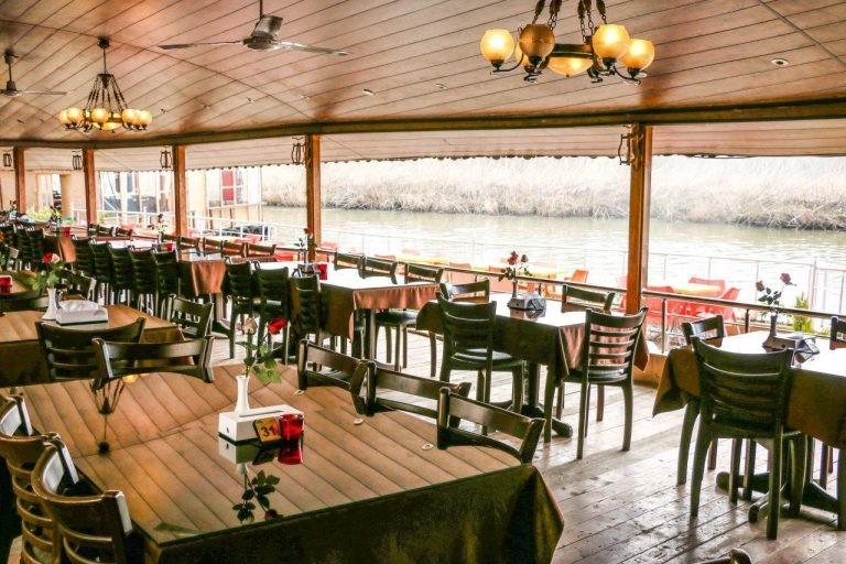 Niloofar Abi Restaurant (5).jpg