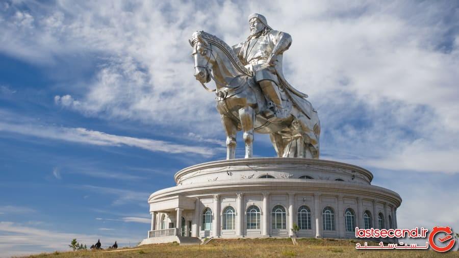 مجسمه چنگیز خان روی اسب، مغولستان