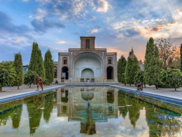 بوستان ناجی، میراث ماندگار قاجار در یزد که همچنان می درخشد!