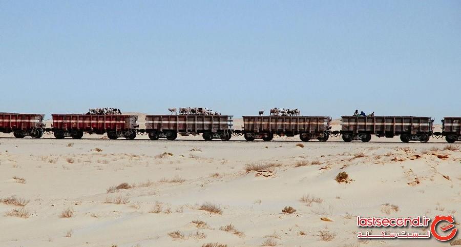 سفری هیجانانگیز با قطارِ باری 2 کیلومتری در صحرای سوزان!