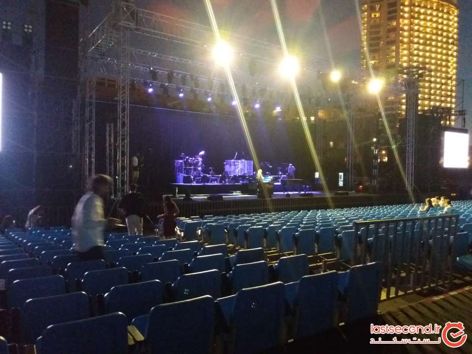 سالن کنسرت برای اجراء یانی.jpg