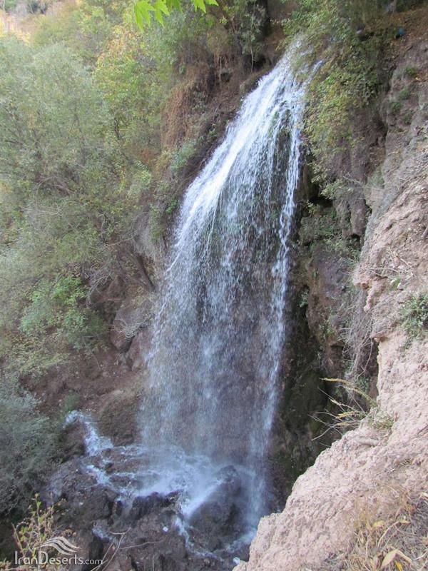 Estarkhi Waterfall (3).jpg