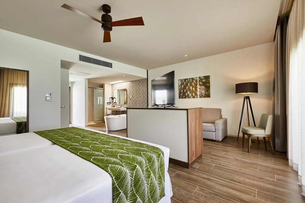Hotel Riu Atoll (21).jpg