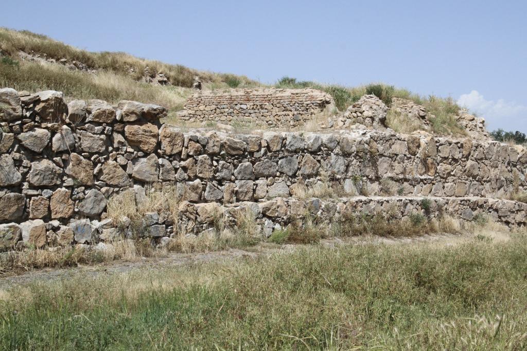 Temple of Anahita (4).jpg