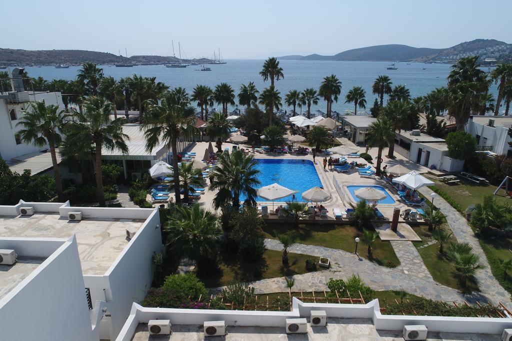 Nagi Beach Hotel (12).jpg