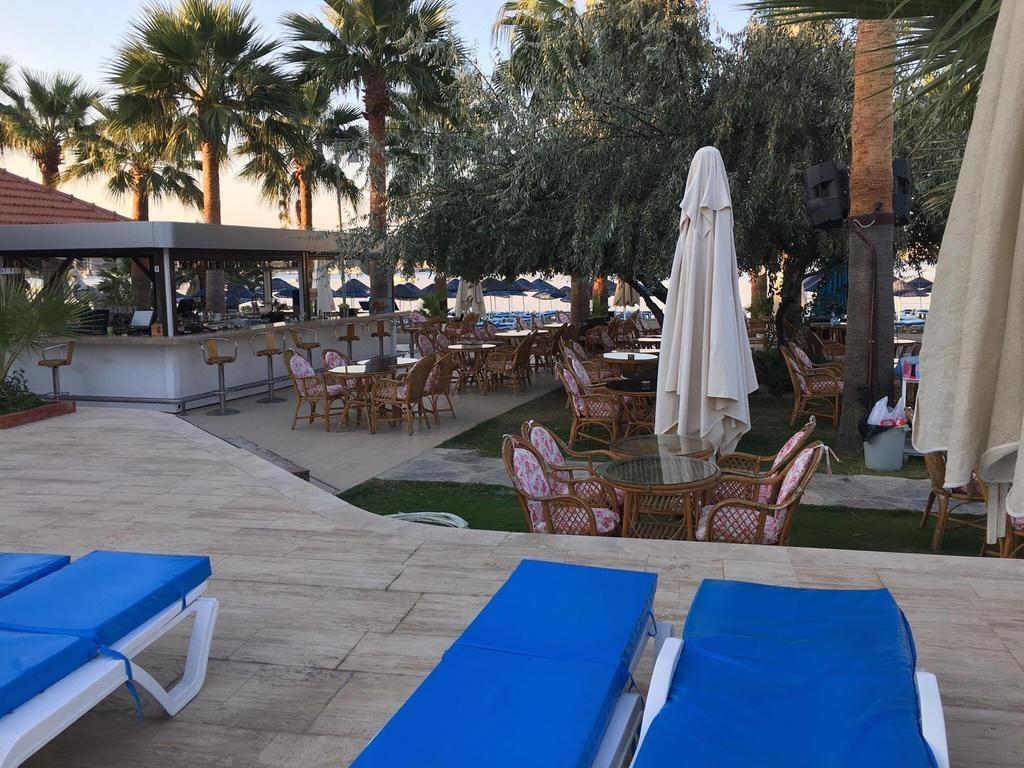 Nagi Beach Hotel (15).jpg