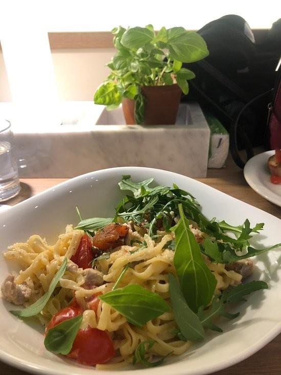 Vapiano Restaurant (5).jpg