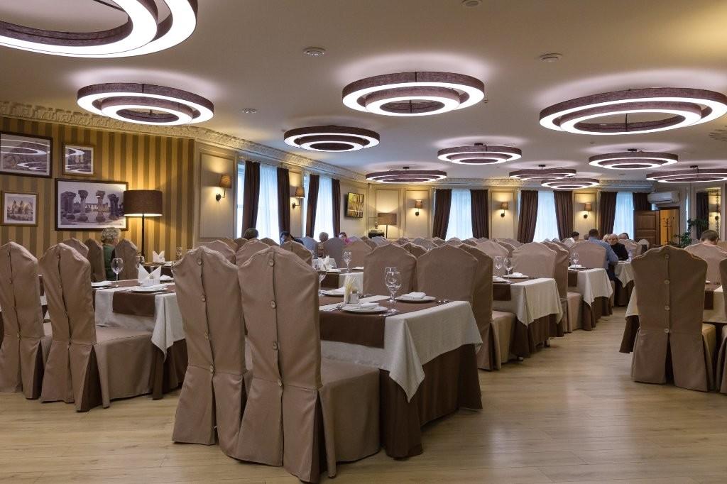Ararat Restaurant VDNH (3).jpg