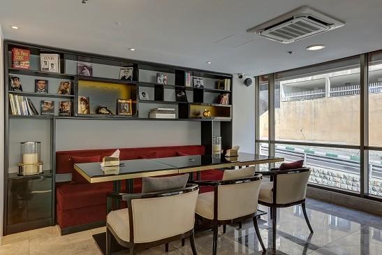 Vozara Hotel - Coffeshop1.jpg