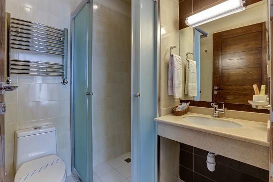 Vozara Hotel - Bathroom .jpg