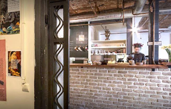 Nazdik Cafe (3).JPG