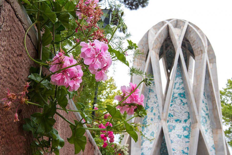 راز زیبایی های آرامگاه عمرخیام، فخر ایران در نیشابور