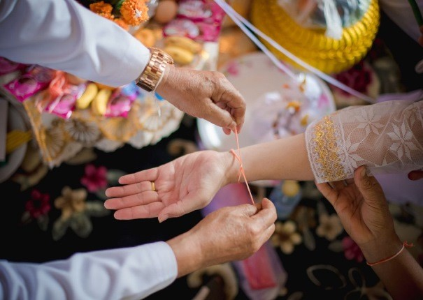 در مراسم چند هزار ساله باکی در لائوس، خوشبخت شوید!