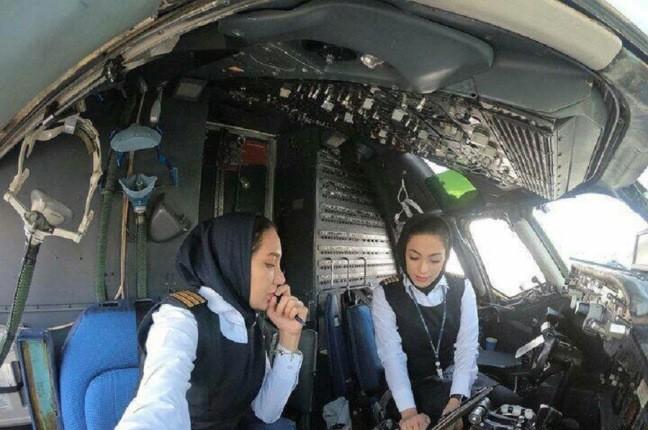 اولین پرواز در تاریخ ایران با خلبانان زن انجام شد!