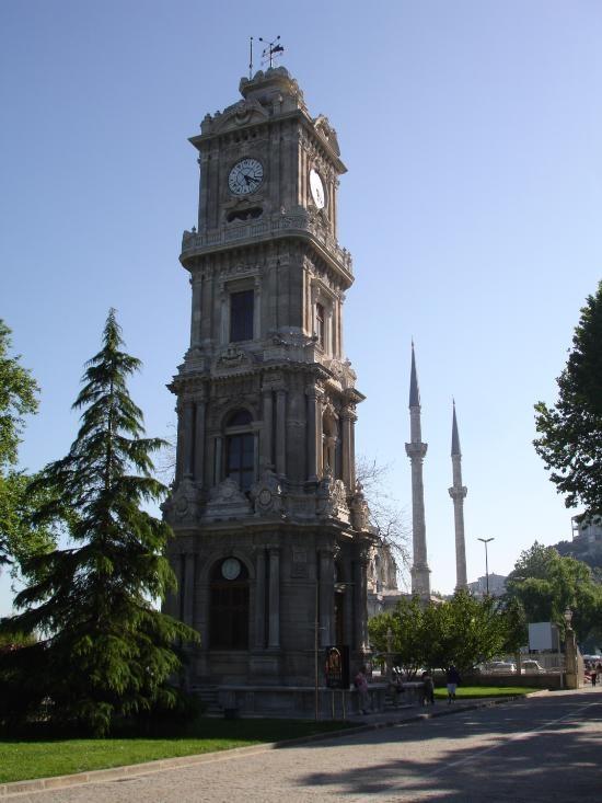 Clock Tower Dolmabahce (2).jpg