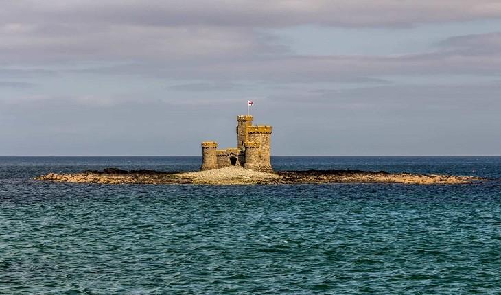جزیره «من»، جزیره ای بریتانیایی که جزء بریتانیا نیست!