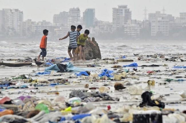 10 ساحل کثیف دنیا که گردشگران را فراری می دهند!