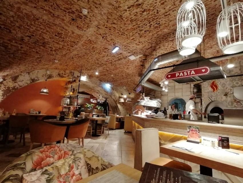 رستوران ایتالیانو
