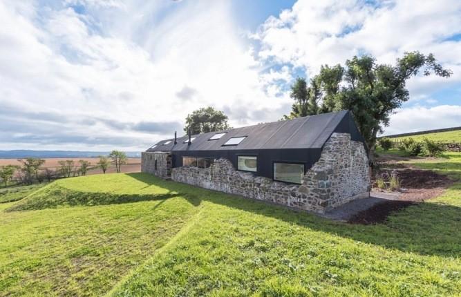 ویرانههای قرن هجدهم به یک خانه فوق مدرن تبدیل شد!