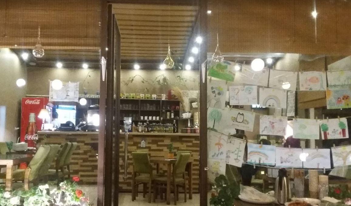 Bid Majnun Restaurant Lavasan (3).JPG