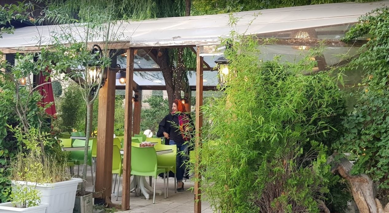 Bid Majnun Restaurant Lavasan (6).JPG