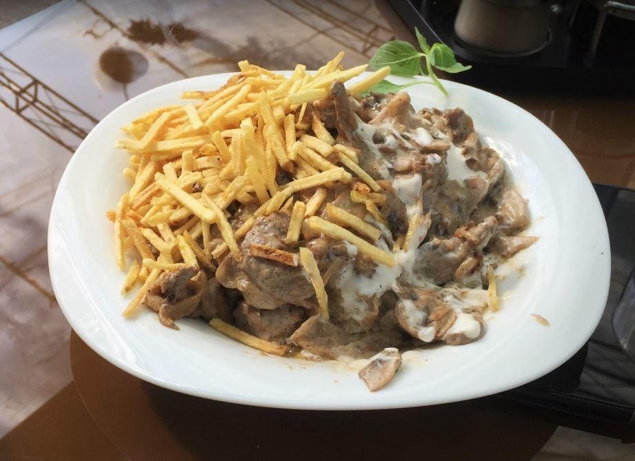 Bid Majnun Restaurant Lavasan (2).JPG