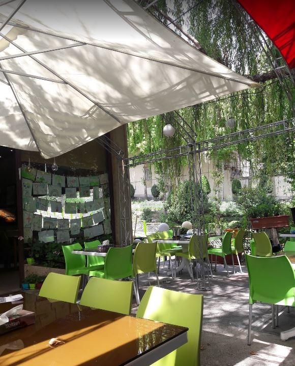 Bid Majnun Restaurant Lavasan (7).JPG