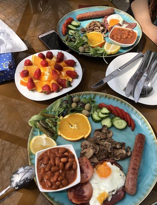 Bid Majnun Restaurant Lavasan (4).JPG