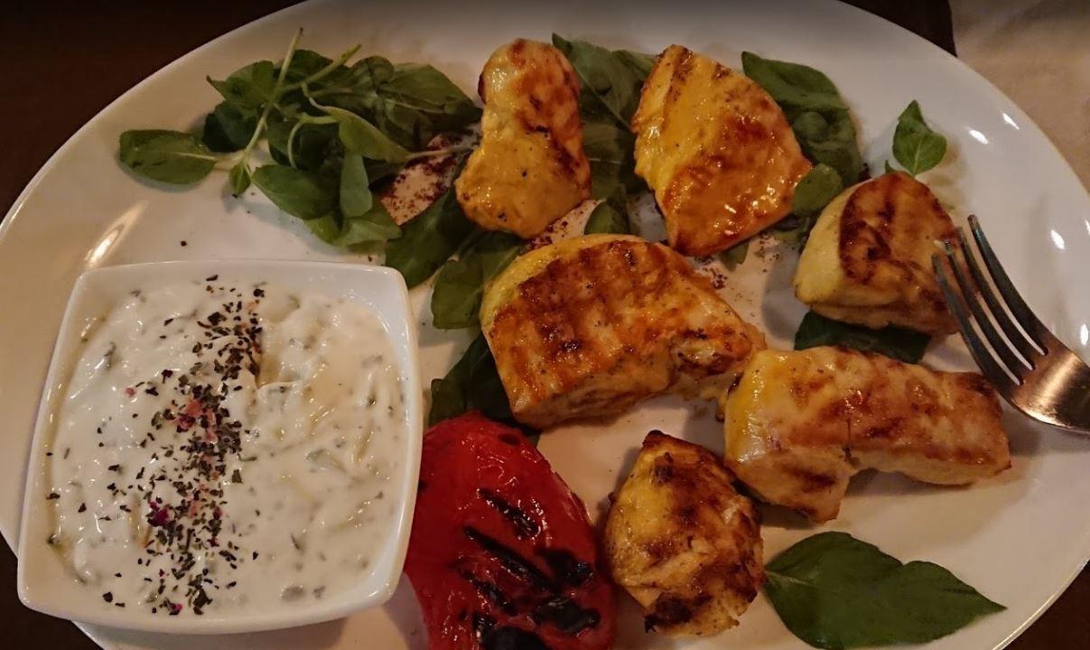 Bid Majnun Restaurant Lavasan (5).JPG