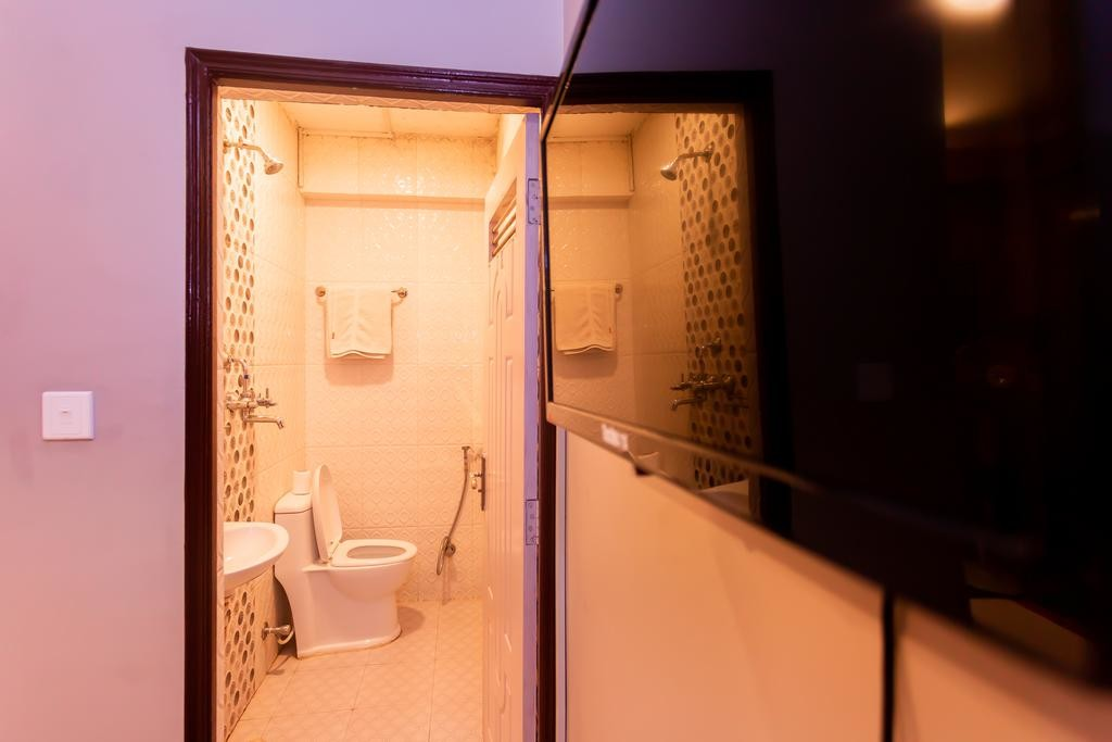 8848 Hostel (12).jpg