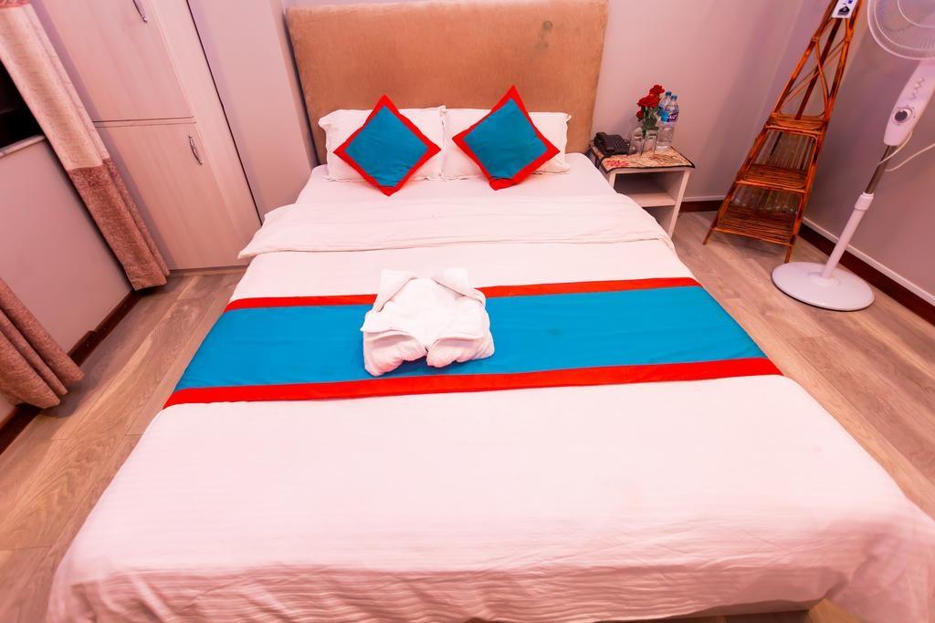 8848 Hostel (13).jpg