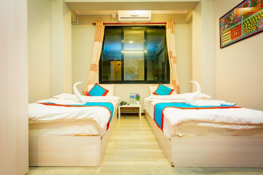 8848 Hostel (10).jpg
