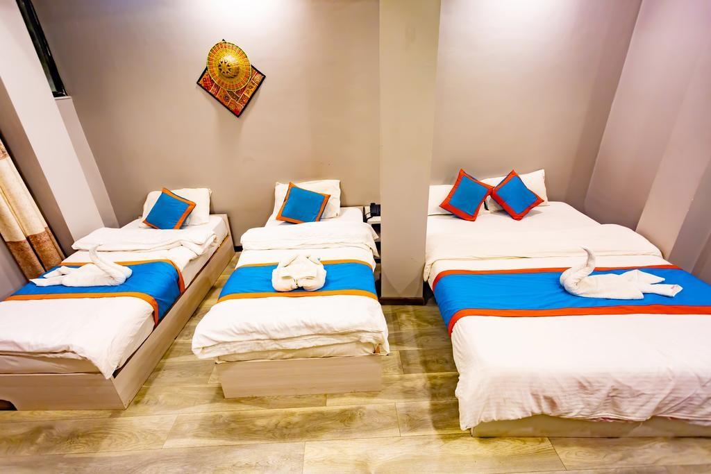 8848 Hostel (9).jpg