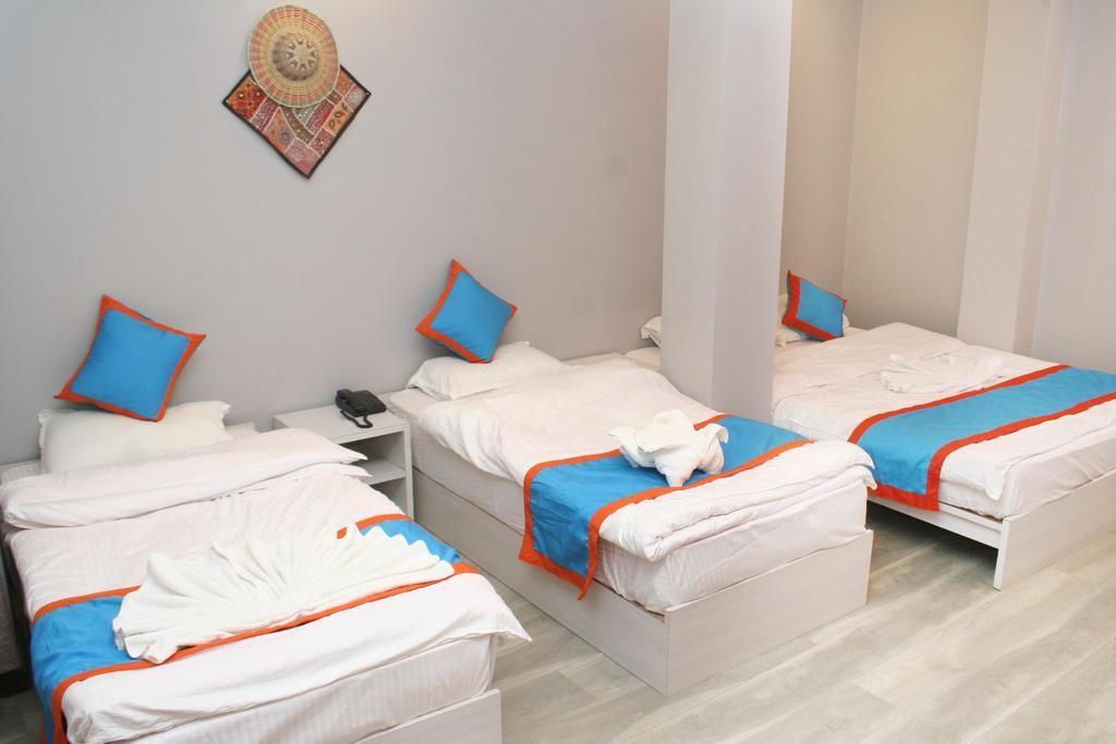 8848 Hostel (2).jpg